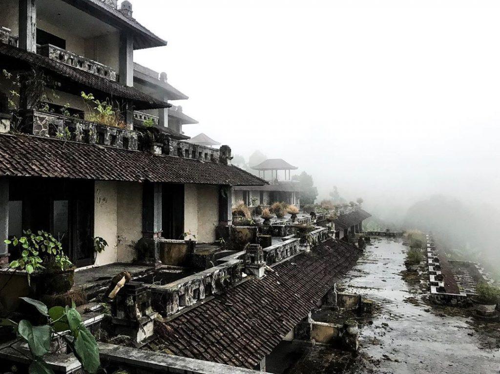 Hotel P.I Bedugul, The Ghost Palace Bali