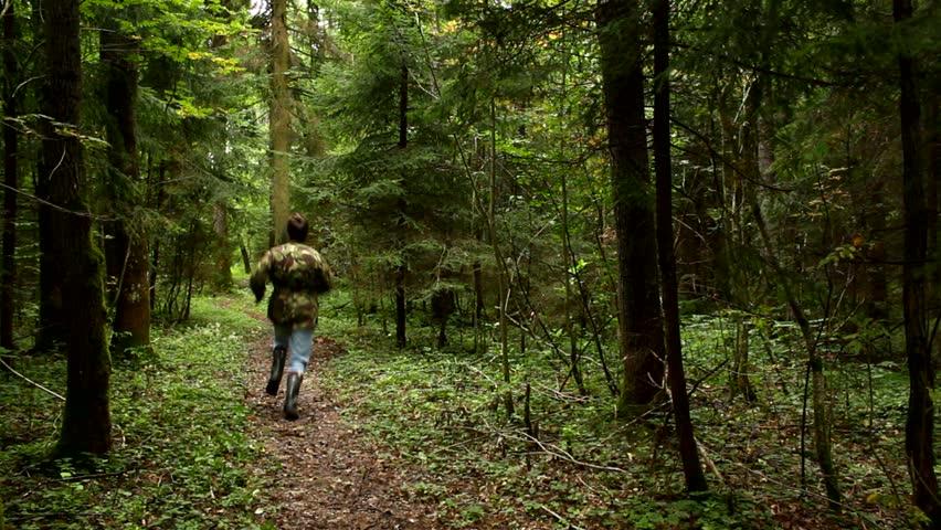 Pemburu di Hutan