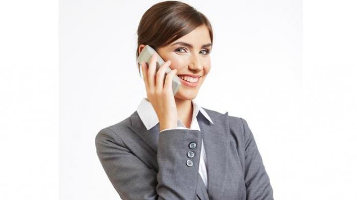 Orang Sedang Menelepon 3