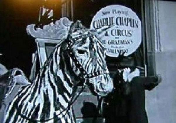 Penjelajah Waktu di Film Charlie Chaplin 1928
