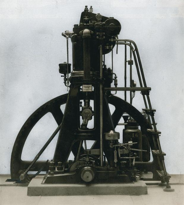 Mesin Diesel Pertama di Dunia