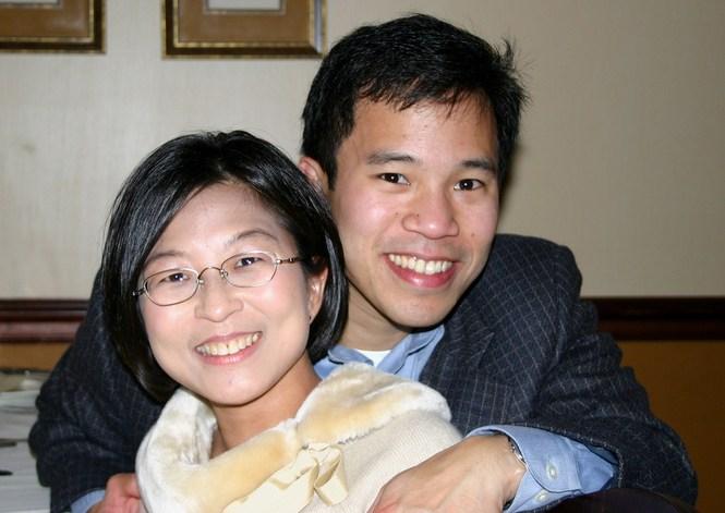 Robert Wone dan Istrinya