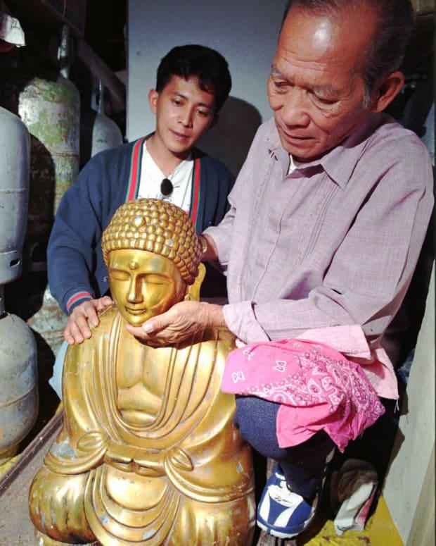Penemuan Patung Buddha Emas