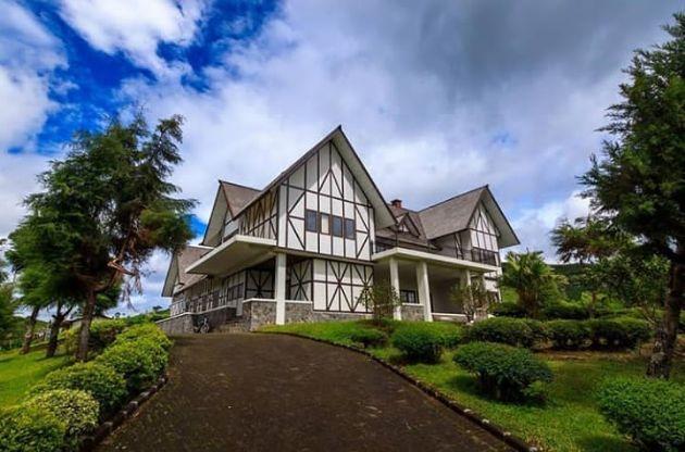 Villa Merah Pangalengan Bandung
