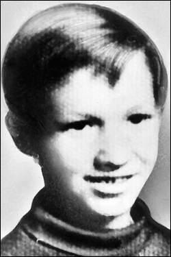 Korban Pertama Mark Stebbins