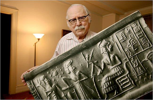 Zecharia Sitchin dan Tablet Sumeria
