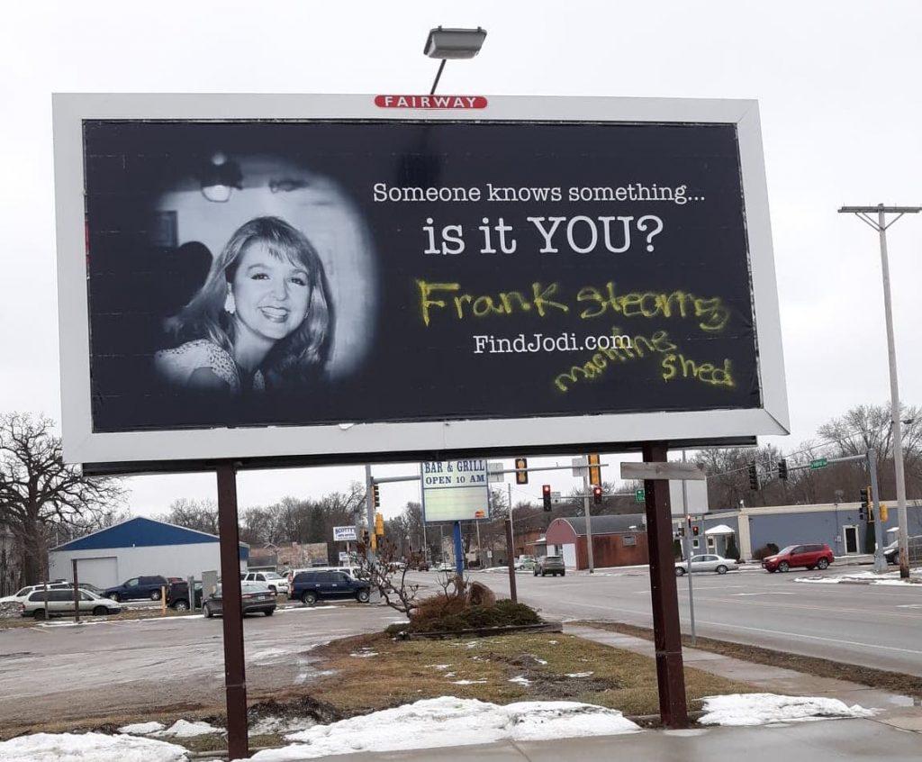 Papan Reklame Jodi Huisentruit Yang Dirusak