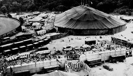 African Village 1930