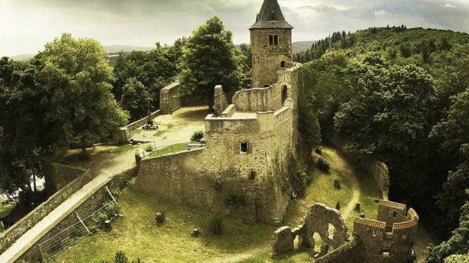 Misteri Kastil Frankenstein yang Sebenarnya