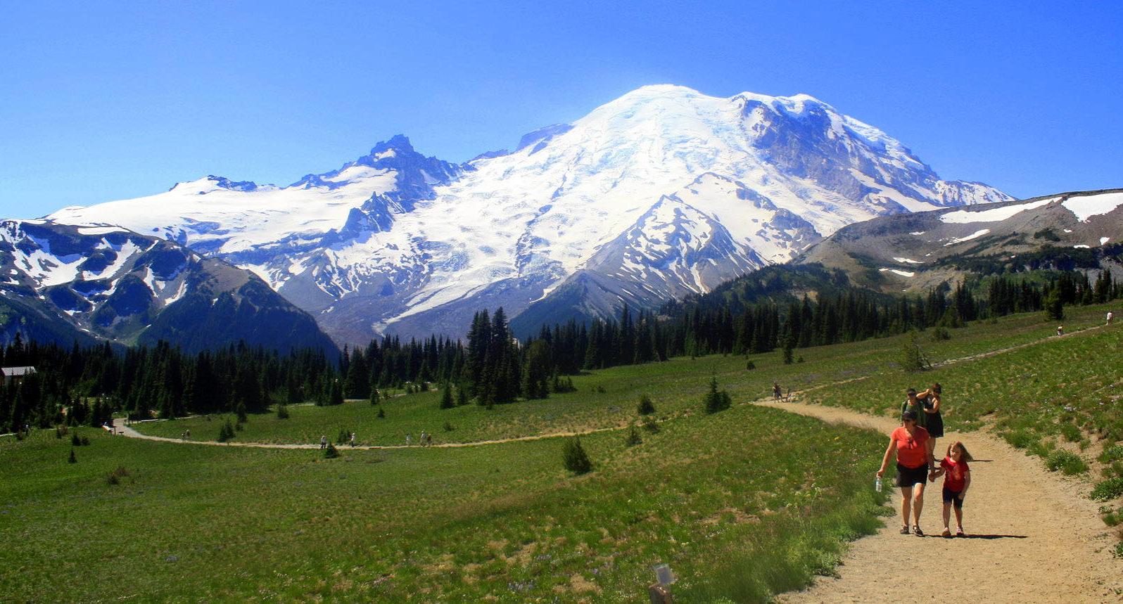 Keindahan Gunung Rainier Yang Mematikan