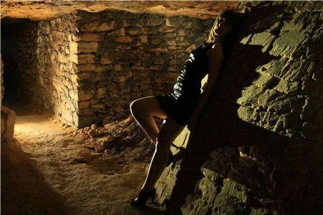 Masha Tersessat di Odessa Catacombs