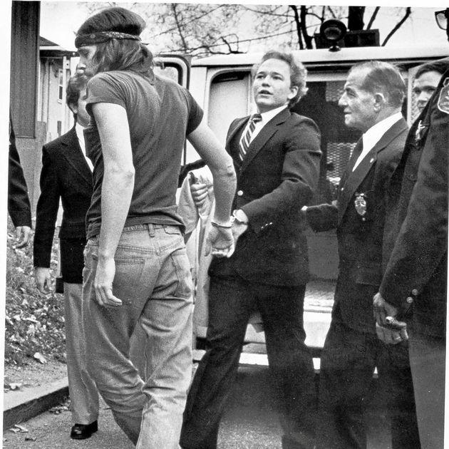 Perseteruan Johnson dengan Bono