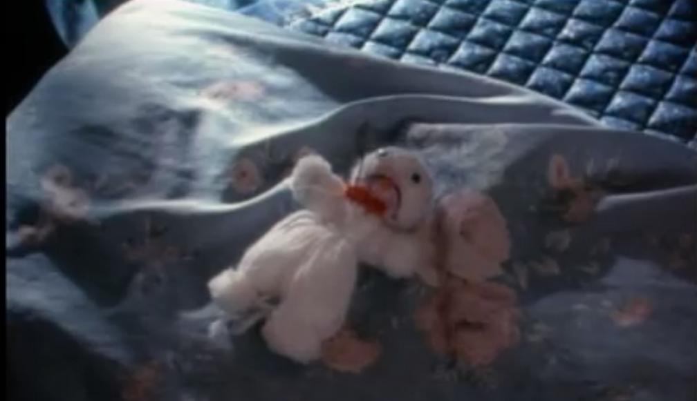 Boneka Voodo Yang Dikatakan Ann Untuk Menjebak Roh Jahat